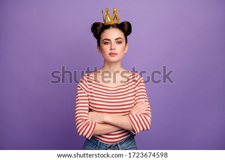 Photo of attractive boast lady students prom party arms crossed brag person arrogance look wear golden crown white red casual striped shirt isolated pastel purple color background Stock fotó ©