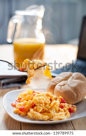 Photo of scrambled eggs for breakfast at work
