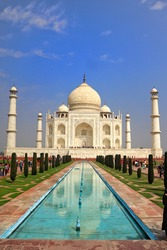 photo of Taj mahal in front of the fountain
