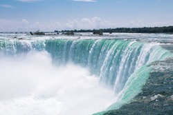Photo of the Niagra Falls in Canada during summer