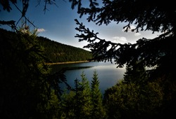 Photo of the Romanian lake Vidra in Parang Mountains