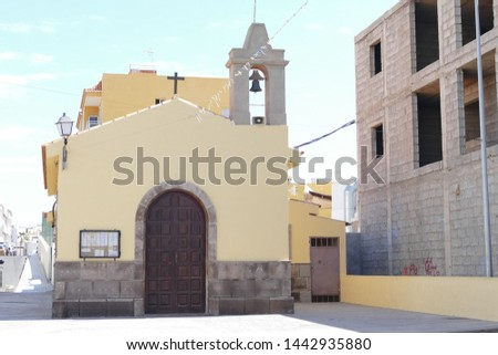 Photo Picture of a small church in los abrigos tenerife canary islands spain