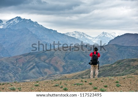 photographer take photo on himalayas mountain