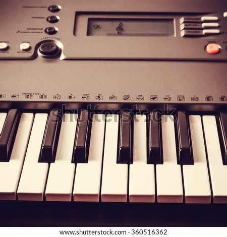 Piano keyboard  Music instrument  Black and white key  Play sound