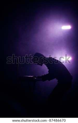 Piano Player Silhouette Stock Photo 87486670 : Shutterstock