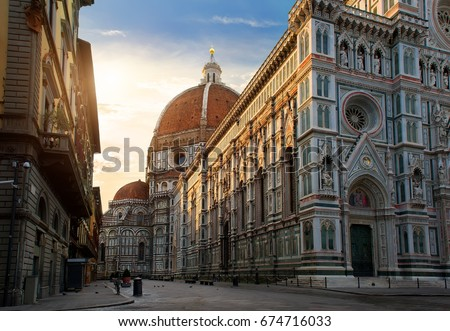Piazza del Duomo and cathedral of Santa Maria del Fiore in Florence, Italy Foto stock ©