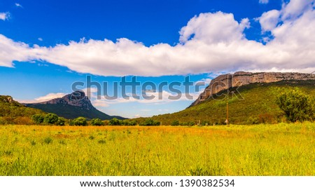 Pic Saint-Loup and Hortus in the Hérault in Occitania, France