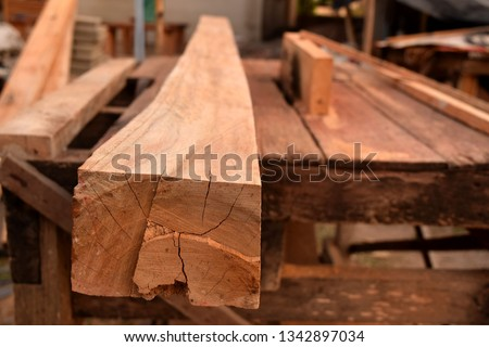 pic show a Saw blade with wood, Wood Craft concept.