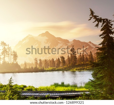 Picture Lake and Mount Shuksan Washington