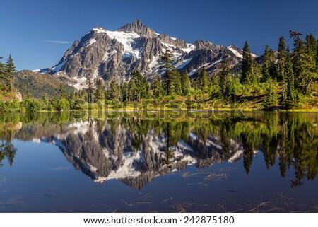 Picture lake reflection, Mount Shuksan, Washington state