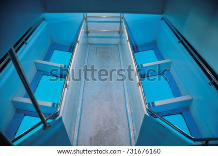 picture of a classic Glass Bottom Boat in the water