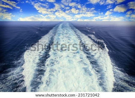 Picture of a view of a boat trace in the sea