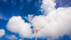 picture of formation cloud and tower crane