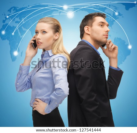 picture of man and woman with cell phones
