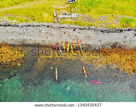 picture straight down on kayaks