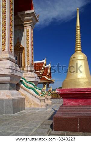 Picture taken in Phuket, Thailand. Wat Shalong.