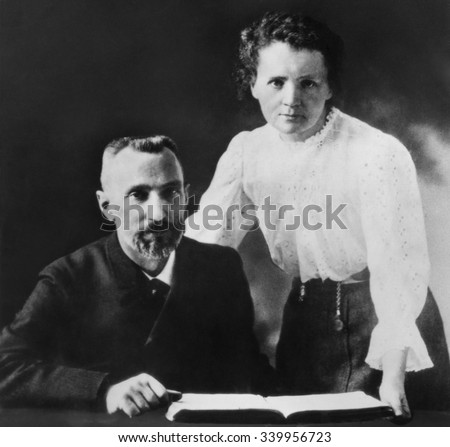 Pierre Curie and Marie Sklodowska Curie (1867-1934), c. 1903. The couple shared the 1903 Nobel Prize in Physics with physicist Henri Becquerel Photo stock ©