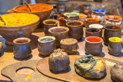 Pigments powders for oil paints like they were made by dutch master painters in golden age 17th century in Amsterdam