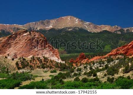 Pikes Peak at the east entrance into the Garden of the Gods near Colorado Springs, Colorado
