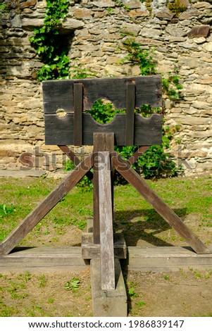 pillory in the austian castle lockenhaus Stockfoto ©