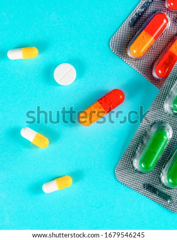 pills and pills on a blue background Zdjęcia stock ©