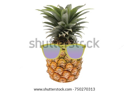 Pineapple with sunglasses on white isolate background best for tropical  cocktail, holidays, vacation, travel and healthy juice theme