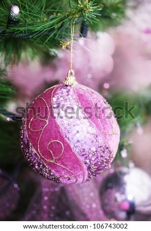 pink ball on the Christmas tree