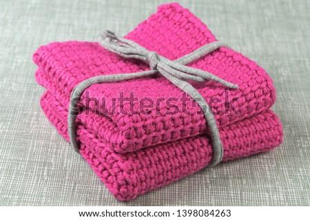 pink dish cloths or wash cloths
