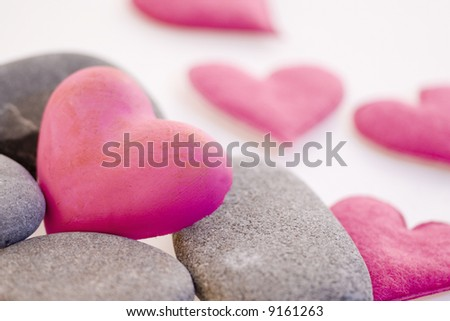 pink hearts with gray pebble