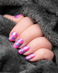 Pink, purple and silver crosshatch sparkly nails on a dark fluffy background - Nail art/Nail design/Nail Model