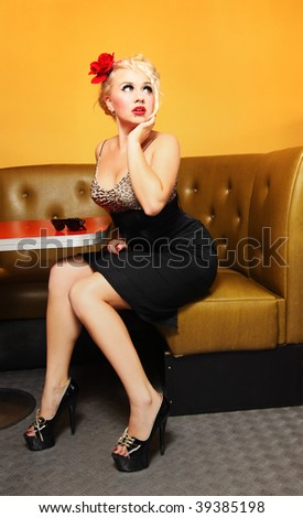 Pinup girl at a cafe