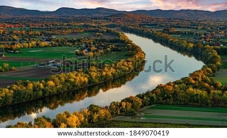 Pioneer Valley with the Connecticut River in Deerfield, Massachusetts at sunset- Northeast agriculture  Сток-фото ©