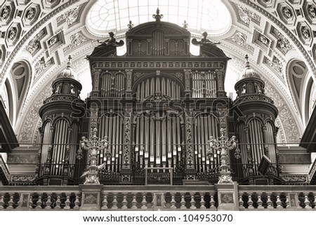 pipe organ of st. stephen's...