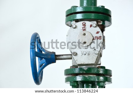 Pipe valve connection