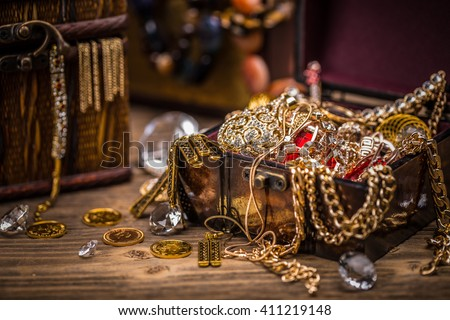 Pirate treasure chest full of jewellery Сток-фото ©