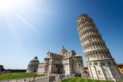 Pisa, Piazza dei Miracoli (Square of Miracles) with the Leaning Tower, the Cathedral and the San Giovanni Baptistery. UNESCO world heritage site, Tuscany, Italy, Europe.