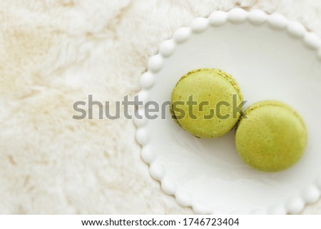 Pistachio glass macaroon for french confectionery