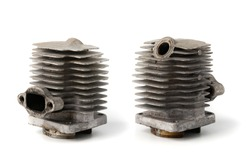 Piston cylinder used in engines such as motorcycles, lawn mowers and others.