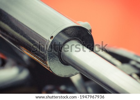 Piston or actuator as part of industrial hydraulic and pneumatic mechanism in machine. Engineering and technology Foto stock ©