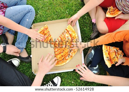 Pizza, family, outdoor