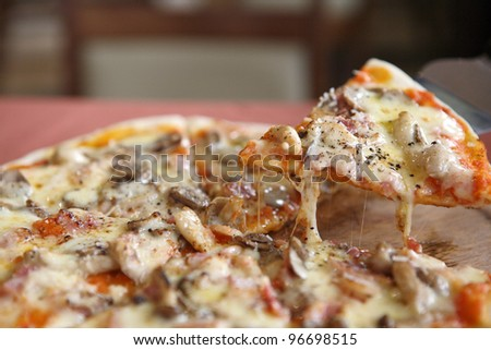 Pizza ham and mushroom