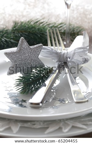 place setting for christmas with star