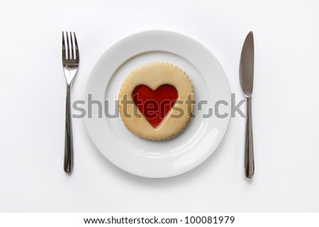 Place setting with jam heart cookie
