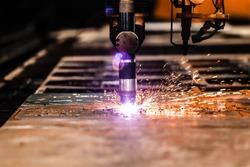Plasma cutting Machine cutting steel sheet