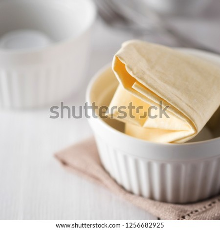 plate with napkin preparation for photography