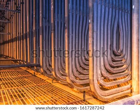 Platen super heater tube-bends inside boiler. Stockfoto ©