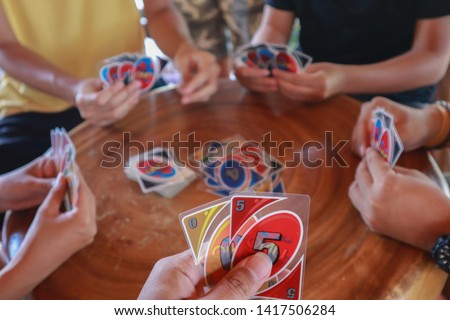 playing uno cards with my friends Foto stock ©
