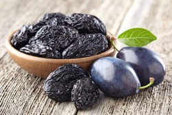 Plum with prunes