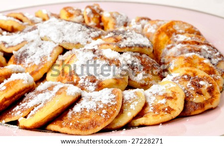 Poffertjes with powdered / soft sugar