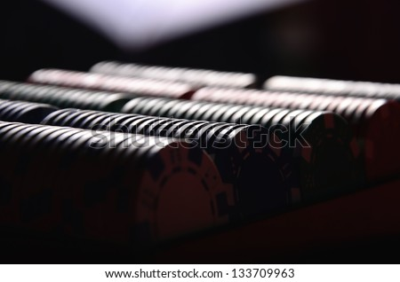 Poker chips in the dark
